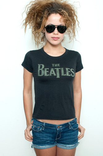 "Junk Food T shirt 50/50 Here Come The Beatles Candle Stick Park San Francisco Black S (16"" width)"