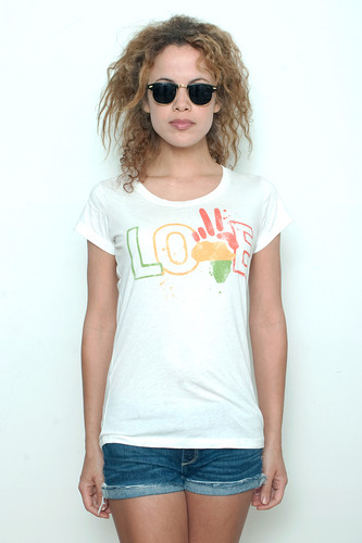 Junk Food T shirt 50/50 Peace Love Paint Splatter on White XL (17&quot; width)