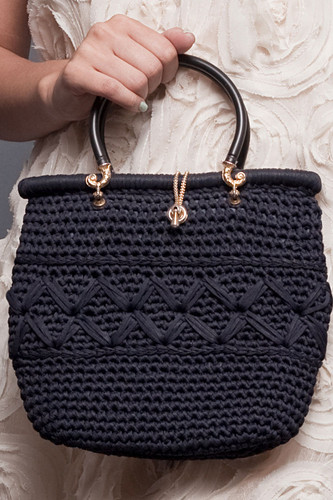 Vintage Black Woven Small Handbag Purse Bag Gold Hardware Loop Closure