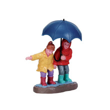 Lemax Village Collection Staying Dry #72501