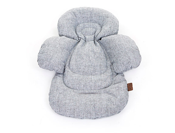 The ABC Design Comfort seat liner adds the very best comfort for your baby, whether sitting or in the lying position. Your baby's head, neck and back are kept safe by the ergonomic design and through the use of soft, breathable materials as well as the padded 3D side wings and headrest. The liner also ensures that the baby's position is correct and safe within the seat unity. You can use the seat liner on its own or with the combination of the chair cushion provided.