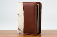 Globe Trotter Chestnut with Brown & White HOH
