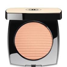 CHANEL Les Beiges Healthy Glow Luminous Colour ~ Light ~ Limited Edition for Cruise Collection 2017