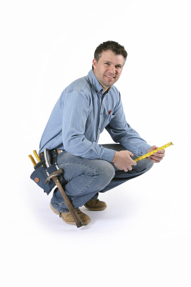 kneeling-contractor.jpg