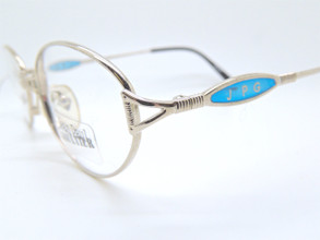 Contrasting blue temples
