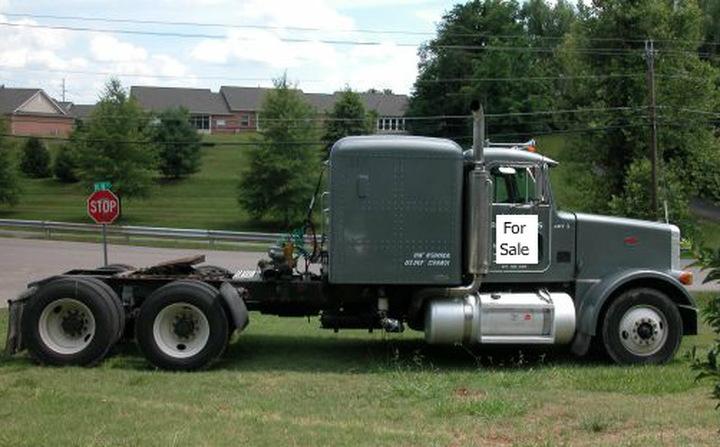 2003 Peterbilt 378 Tandem Axle Tractor