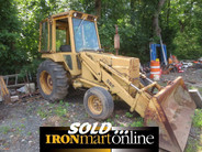 Ford 555 Wheel Loader, in very good condition.
