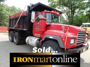 Mack Tandem Dump Truck andtrucks.com