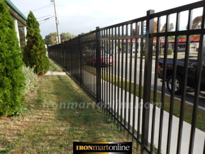 Used Jerithy 360 Foot Aluminum Fence for Sale