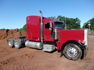 2005 Peterbilt 72'' High Top Sleeper Cat Platinum 475hp Double Wet Line