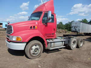 2007 Tandem Axle AT9500 Sterling Day Cab