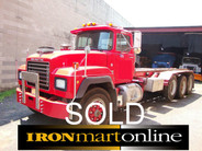 1994 Roll Off R Model Mack 22ft 8LL 350hp 58 Rears used for sale