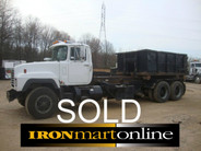1995 R Model Mack Roll Off used for sale