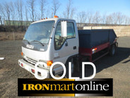 2001 Isuzu NQR House to House Truck