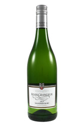 Great with salmon wrapped asparagus spears with a zingy Hollandaise.