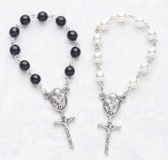 The Perfect Party Favor! Communion one decade rosaries. Black or White