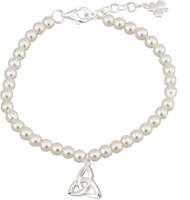 Pearl Bracelet with silver plated Trinity Knot charm. Claw closure. Matching Pendant (Item #130094) & Earrings (Item #130095) are also available.