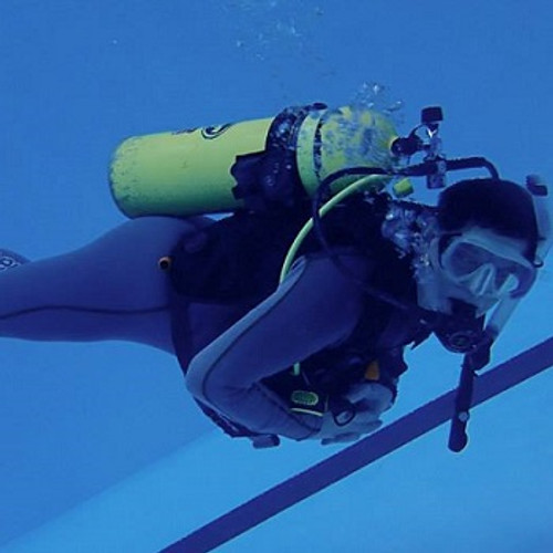 HydroSports Dive and Travel - Discover Scuba Class