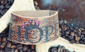 Crackle leather Hope bracelet