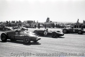 61522 - Dan Gurney BRM / Ron Flockhart Cooper Climax / Stan Jones Cooper Climax - Ballarat Air Strip 1961 - Photographer Peter D Abbs