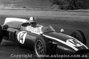 61529 - Jack Brabham  Cooper Climax - Hume Weir - 13th March 1961 - Photographer Peter D Abbs
