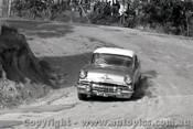 60009 - E. J. Colwell  Pontiac - Templestowe Hill Climb 1960 - Photographer Peter D Abbs
