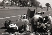 62532 - Stirling Moss  Lotus 21 Climax - Sandown 1962 - Photographer  Peter D Abbs