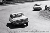 65746 - Alton Boddenberg & Digby Cooke Valiant   Bathurst 1965 - Photographer Lance J Ruting
