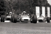 69607 - J. Young Brabham & B. Andrew  - Andrew  Formula Ford  - Sandown  1969 - Photographer Peter D Abbs