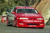 97799 - J. TRIMBOLE / T. MEZERA - Commodore VS - Bathurst 1997 - Photographer Ray Simpson