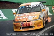 98759 - D. RUSSELL / R. WILSON - Commodore VR - Bathurst 1998 - Photographer Marshall Cass
