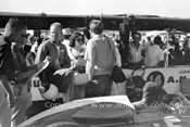 62548 - Chuck Haigh, Scarab - Sandown 1962 - Photographer Peter DAbbs