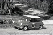 62110 - Peter Manton  Morris 850 - Templestowe Hillclimb 1962 - Photographer Peter D'Abbs