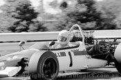 71639 - Kevin Bartlett  - McLaren M10B - Sandown 1971  - Photographer Peter D'Abbs