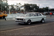 75907 - Falcon V's Holden Castlereagh Drags 1975 - Photographer Jeff Nield
