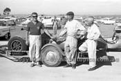 62556 - Stan Jones, John Sayer & Otto Stone - Calder 1962 - Photographer  Peter D'Abbs