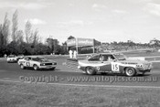 79058 - Taylor / Kennedy, Holden Torana A9X  & C. Bond / J. French Falcon XC Hardtop - Sandown Hang Ten 400 9th September 1979 - Photographer Darren House