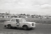 61729 - Jane / Firth / Collingwood  - Mercedes Benz 220SE - Winners - Armstrong 500 Phillip Island 1961 - Photographer Peter D'Abbs