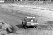 64749 - R. Clarke / B. Muir - Vauxhall Viva -  Bathurst 1964 - Photographer Lance Ruting