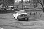 64767  - B. Burns / B. Lawler - Zephyr -  Bathurst 1964 - Photographer Lance Ruting