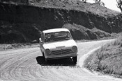65769 - B. Flynn / B. Rout - Cortina 220 -  Bathurst 1965 - Photographer Lance J Ruting