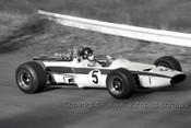 68602 - Leo Geoghegan, Lotus 39 Repco V8 - Catalina Park Katoomba1968 - Photographer David Blanch