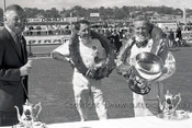68604 - Glyn Scott & Gary Cooper  - Sandown 15th September 1968 - Photographer Peter D'Abbs
