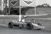 695993 - R. Knight, Elfin 600 & M. Coombs Lynx Formula Ford - Sandown  1969 - Photographer Peter D'Abbs
