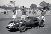 62558 - Bryan Thomson, Cooper - Sandown 1962 - Photographer  Peter D'Abbs