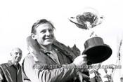63583 - Bruce McLaren, Cooper - Sandown International -  11th  March 1963 - Photographer Peter D'Abbs