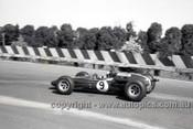 65556 - Jim Clark, Lotus 32 Climax - Sandown Tasman Series   21st February 1965  - Photographer Peter D'Abbs