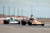 72663 - David Hobbs, McLaren M22 & M. Hailwood Surtees TS8/11 Chev - Adelaide Tasman Series  1972 - Photographer Jeff Neild