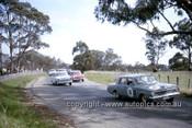 63712 - Tony Allen & Tony Reynolds, Valiant AP5 - Armstrong 500 Bathurst 1963 - Photographer Ian Thorn