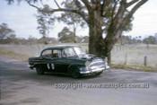 63721 - Bill Burns & Brian Lawler, Humber Super Snipe - Armstrong 500 Bathurst 1963 - Photographer Ian Thorn